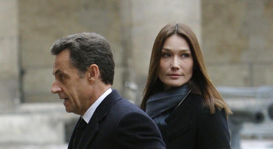 Såvel præsident Sarkozy som hans hustru, Carla Bruni-Sarkozy, har været udsat for rygter om utroskab, hvilket har fået voldsomme konsekvenser for rygtesmedene.