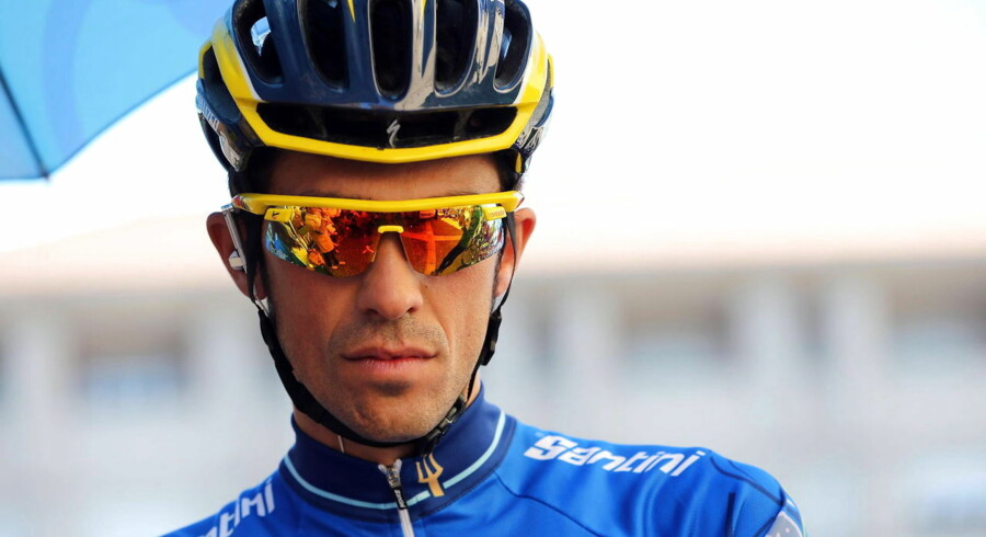 epa04129870 Spanish cyclist Alberto Contador of Tinkoff-Saxo team before the sixth stage of the Tirreno-Adriatico 2014 cycling race from Bucchianico to Porto Sant'Elpidio, central Italy, 17 March 2014. EPA/STRINGER