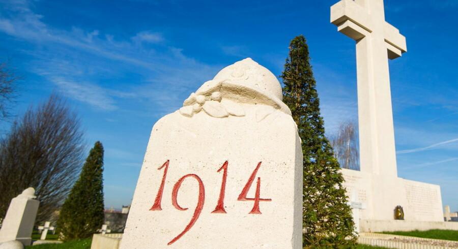 Billede fra den Franske kirkegård Faubourg-Pave i Verdun, 20 Marts 2014.Da krigen endte i 1918, var flere end ni millioner soldater døde og 21 millioner såret på Europas slagmarker som følge af et miskmask af nationalisme, alliancer på kryds og tværs samt militært hovmod og inkompetence.