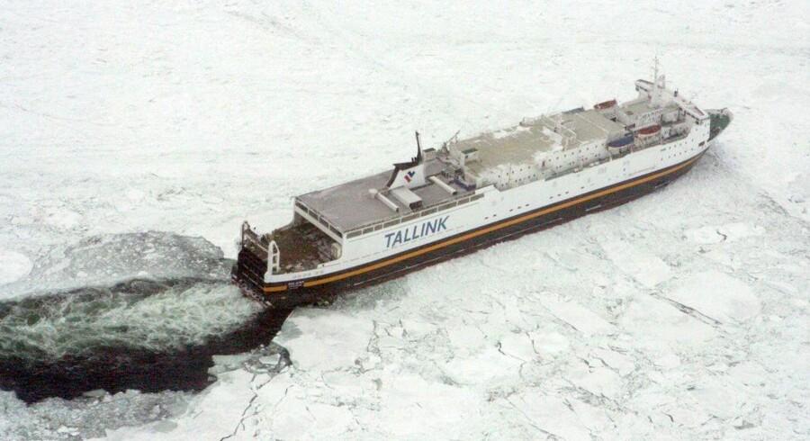 Isen i Østersøen har voldt problemer for cirka 50 skibe. De fleste er fragtskibe.