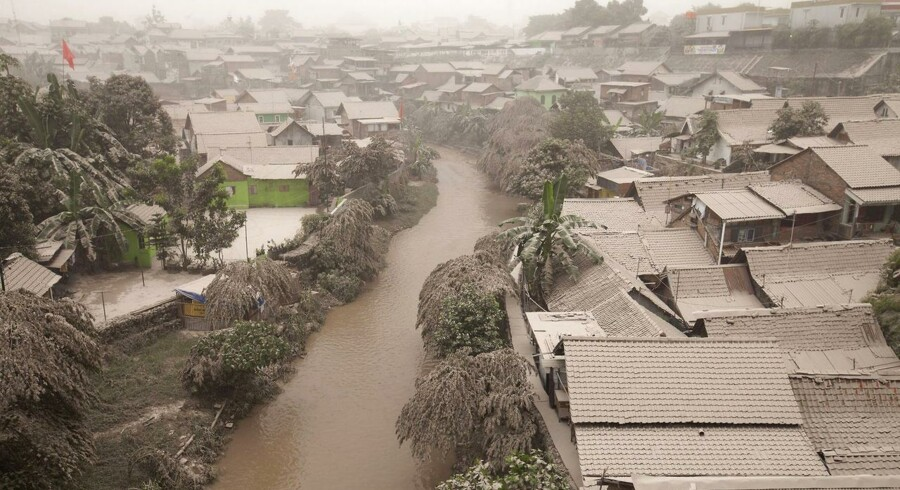 Over 200.000 mennesker er blevet evakueret på Indonesiens hovedø, Java, da vulkanen »Mount Kelud« er gået i udbrud igen.Her byen Yogyakarta.