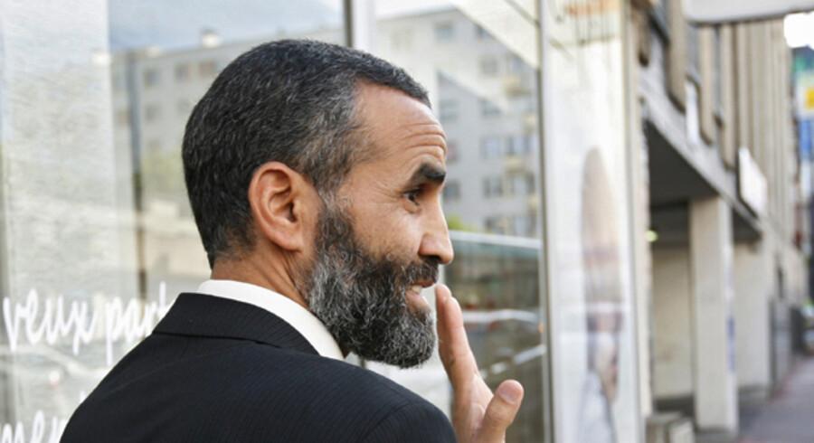 Hans børn kunne ikke genkende Lakhdar Boumediene, da han vendte hjem efter syv års fængsel på Guantanamo-basen. »Det er ikke min far – det er en gammel mand,« sagde hans datter.