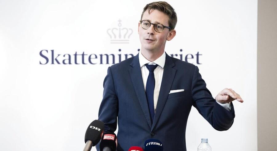 Karsten Lauritzen indkalder til første møde om kulegravningen af skattevæsnets skandalesager.