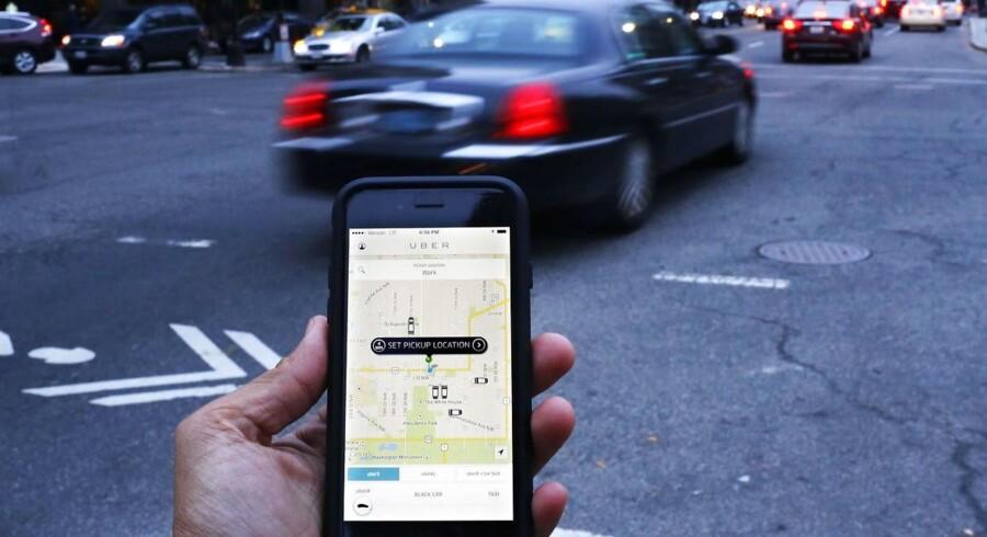 Arkivfoto. Uber bliver tvunget til at åbne op for hemmelighederne omkring selskabets projekt med førerløse biler som følge af striden mod rivalen Waymo, der hører under Alphabet.