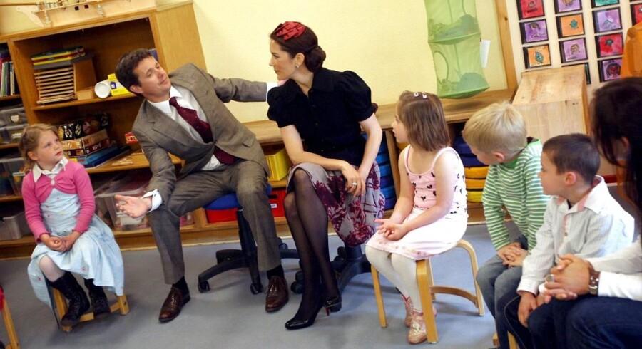 Royalt besøg i en dansk børnehaveklasse i Flensborg.