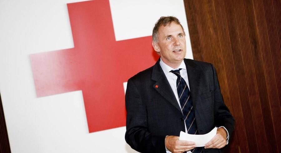 Det er ikke nok med 240 genbrugsbutikker for Røde Kors, der ønsker flere butikker med fokus på møbler og nips.