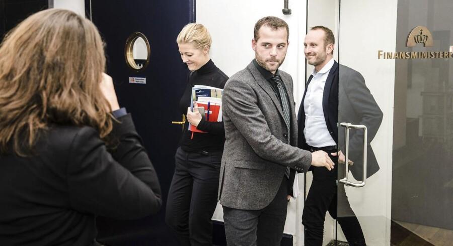 Sofie Carsten Nielsen, Martin Lidegaard og Morten Østergaard efter forhandlingerne.