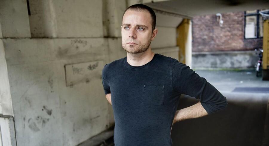 Kenneth Avnsted sælger holdningskorrigerende trøjer gennem firmaet Anodyne.