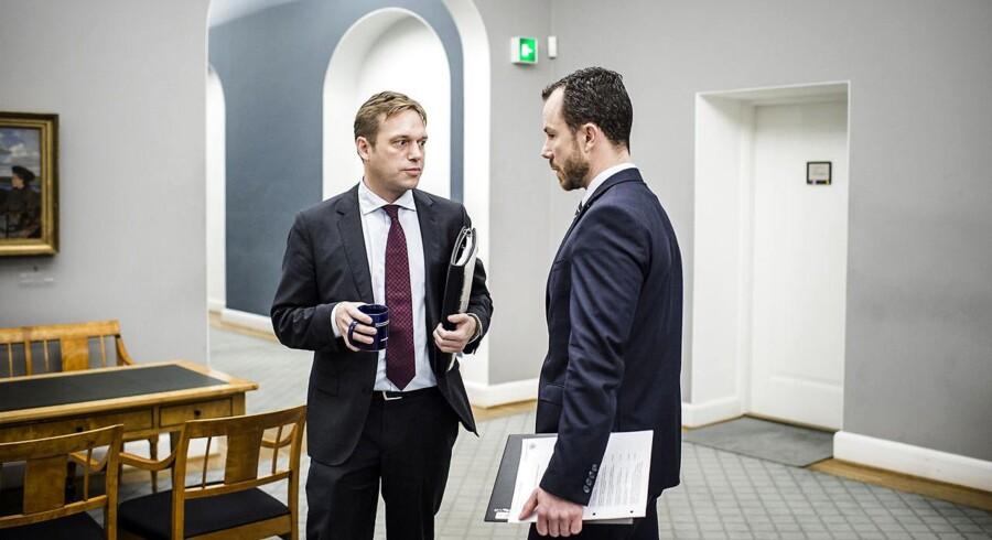 Marcus Knuth (V) og Jakob Ellemann-Jensen (V). (Foto: Thomas Lekfeldt/Scanpix 2015)