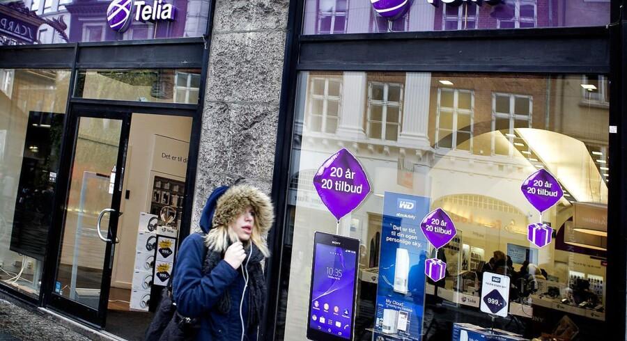 Med Telias udmelding om prisstigninger har alle selskaber nu meldt ud forud for 15. juni. Derfor kan man nu endelig sammenligne og se, hvilket selskab der bedst - og billigst - matcher ens eget mobilforbrug. Arkivfoto: Nils Meilvang, Scanpix