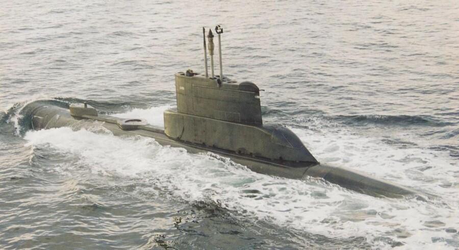 ARKIVFOTO: Ubåden S321 NORDKAPEREN af NARHVALEN-klassen. Luftfotografi. Ca. år. 2000.