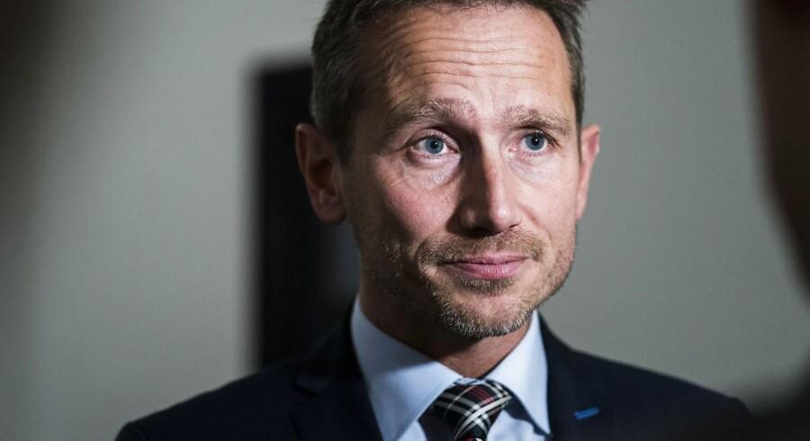 Arkivfoto. Kristian Jensen støtter DF i, at flere udviste udlændinge hjemsendes. Men DF får ikke alle ønsker, lyder det.