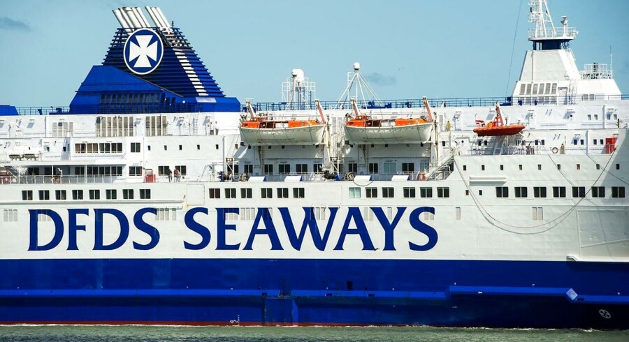 DFDS sejler til England med store skibe fra blandt andet Göteborg, Esbjerg, Cuxhaven, Amsterdam, Rotterdam, Gent, Dunkirk, Calais og Dieppe
