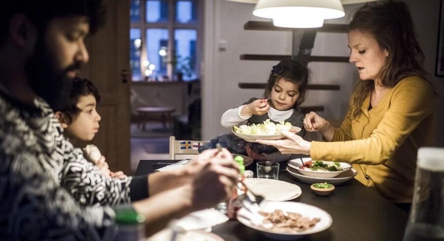 For nogle år besluttede Karen Lilleør at finde ud af, hvad hun står for som mor. Derfor en hun i dag langt mere tydelig over for sine børn, hvorfor familien også oplever langt færre konflikter. Familien blev interviewet til Berlingskes søndagstillæg B Søndag i marts måned.