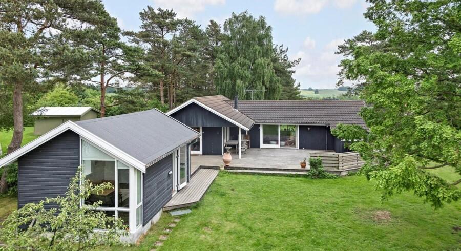 Tirsdag kom sommerhuset i Vejby til salg hos liebhavermægleren Ivan Eltoft Nielsen. Foto: Ivan Eltoft Nielsen.