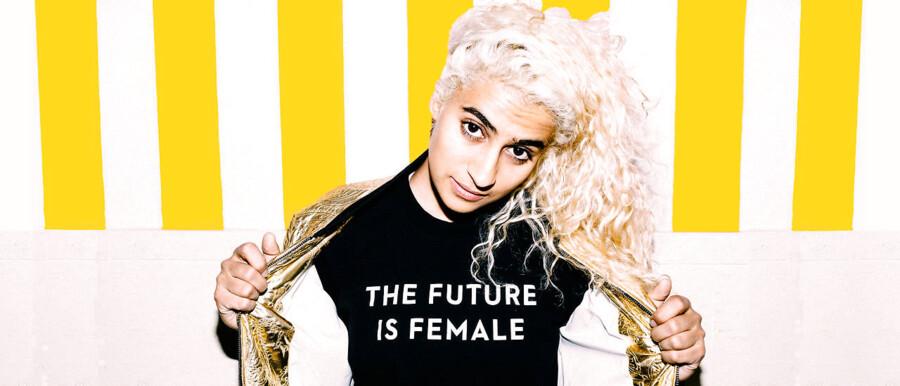 »The Future Is Female«, lyder det fra Madame Gandhi, der spiller på Roskilde Festival i næste uge.