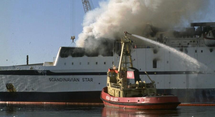 Færgen Scandinavian Star brød i brand natten til 7. april 1990, da den var på vej fra Oslo til Frederikshavn. 150 om bord omkom. En dansk chauffør blev af norsk politi udpeget som den skyldige i branden. Men det er en teori, som de fleste eksperter i dag forkaster. Scanpix/Claus Bjørn Larsen