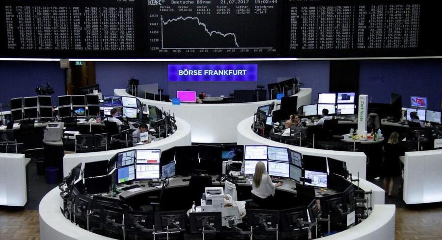 Arkivfoto. Der er umiddelbart udsigt til en positiv start på handlen med aktier herhjemme tirsdag, efter at mandagen bød på et tungt fald til C20 Cap-indekset - primært drevet af den fortsat styrkede euro over for dollar, der rammer eksportørerne fra Europa.
