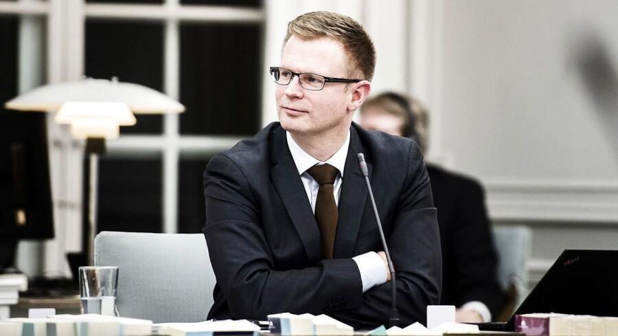 Det er Socialdemokratiets finansordfører, Benny Engelbrecht, der står bag beslutningsforslaget.