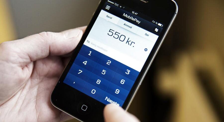 De har travlt i Danske Banks it-afdeling i disse dage. Tirsdag er flere af bankens it-systemer brudt ned igen, efter at de også stod af mandag. Det betyder, at der igen er problemer med at logge på Mobilepay og på Danske Banks netbankløsninger til både computer og mobiltelefon.