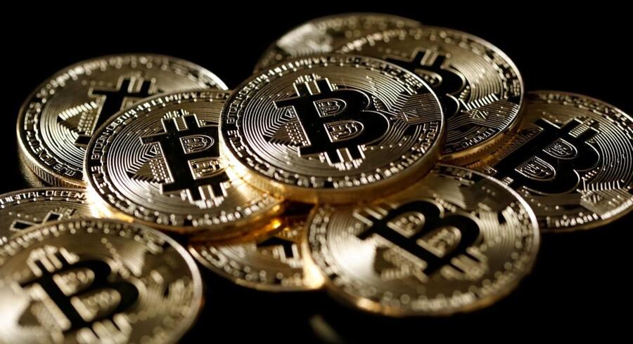 Det amerikanske børstilsyn, Securities Exchange Commission (SEC), har tirsdag suspenderet handlen med en populær bitcoin-relateret aktie, med henvisning til bekymringer om markedsmanipulation.