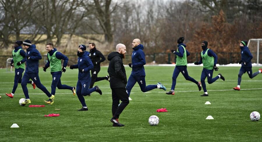 Spillerne fra Lyngby Boldklub træner efter superligaklubben ikke nåede fristen for at betale spillerne midnat tirsdag, onsdag den 7. februar 2018. Foto: Ritzau Scanpix/Philip Davali