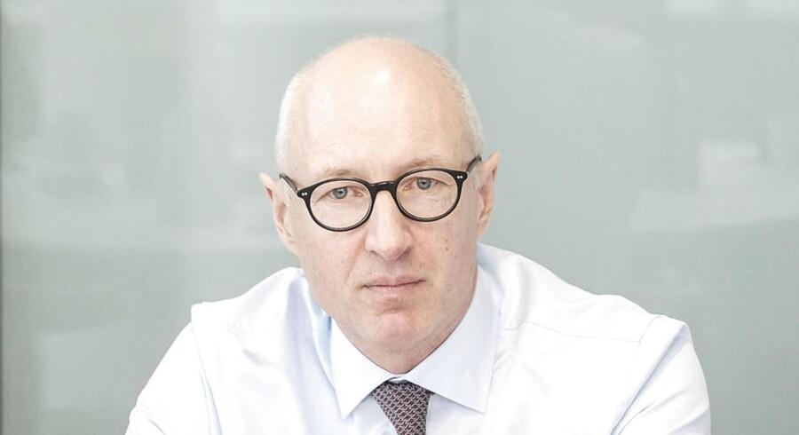 Novo Nordisk lægger fint fra land i årets første kvartal med en indtjening på over 10 milliarder kroner. Dermed slipper den nye Novo-topchef pænt fra sin regnskabsdebut, men må dog sænke forventningerne til salgsvæksten en anelse.