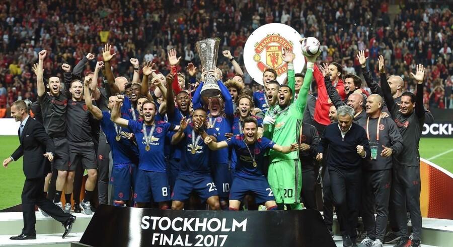 Manchester United fastholder lige akkurat positionen som nummer et på den årlige liste fra konsulentfirmaet Deloitte over fodboldklubber med de største indtægter. Arkivfoto.