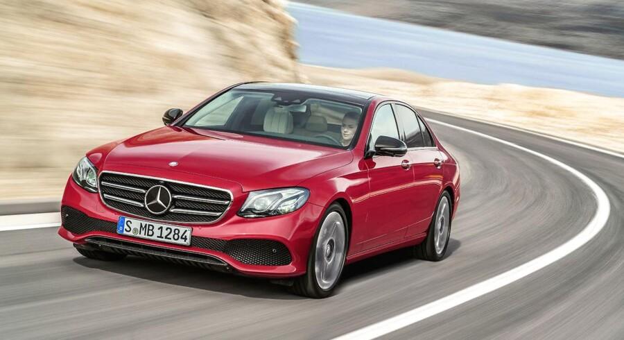 Den store leasingoperatør Lease Plan har offentliggjort sin liste over de 10 mest populære firmabiler i første del af 2017, og på plads nummer to ligger luksusbilen Mercedes-Benz E-Klasse, som ikke optrådte på listen i 2016. Ændrede afgifter og hårdere konkurrence giver flere mulighed for at køre premiumbil