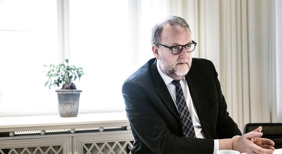 Klima- og energiminister Lars Christian Lilleholt (V) sender Energinet.dk og embedsmændene tilbage til tegnebrættet i sagen om omdiskuteret ekstraregning til 82.000 solcelleejere. (Foto: Sophia Juliane Lydolph/Scanpix 2016)