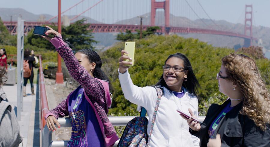 Produceren bag Al Gores en »Ubekvem Sandhed«, Lesley Chilcott, har lavet en nye dokumentarfilm. Denne gang om det sjældne fænomen; unge, kvindelige IT-programmører. ?Foto: Codegirlmovie.com