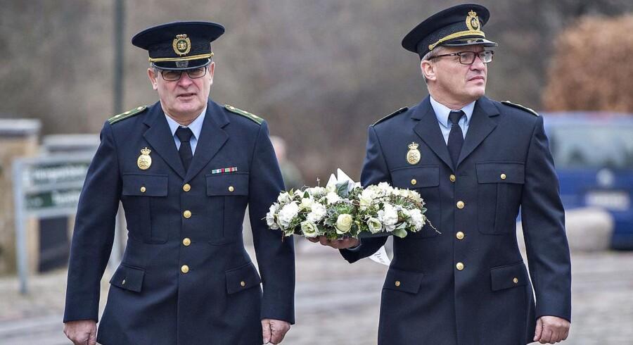 Den 43-årige politiassistent Jesper Jul fra Københavns Vestegns Politi, som blev dræbt i tjenesten, blev fredag d. 16. december fra bisat fra Roskilde Domkirke.