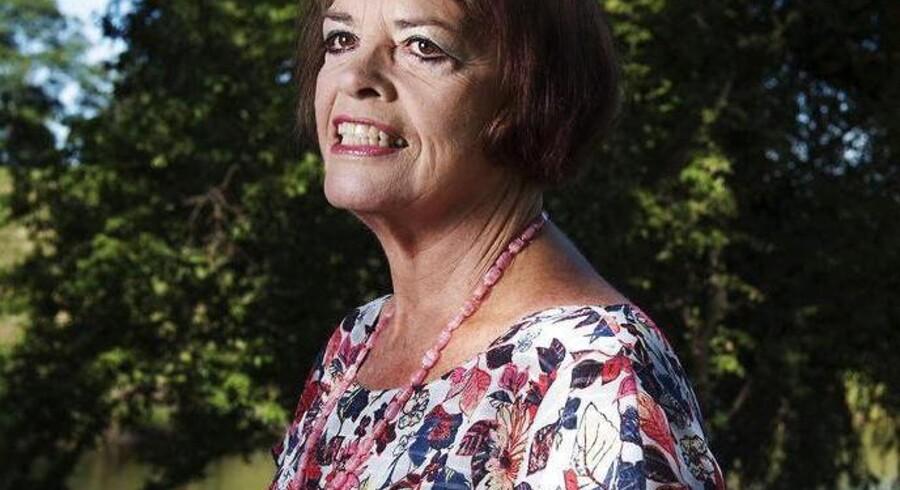 Elizabethann Burke Madsen har boet i Danmark i fyrre år, og hun er en af de første udlændinge, der har søgt om dansk indfødsret som sit andet statsborgerskab, efter det i Danmark blev lovligt med dobbelt statsborgerskab.
