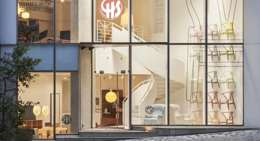 Carl Hansen & Søn åbner en to-etagers flagshipstore i Tokyo samtidig med, at Hans J. Wegner ville være fyldt 100 år.