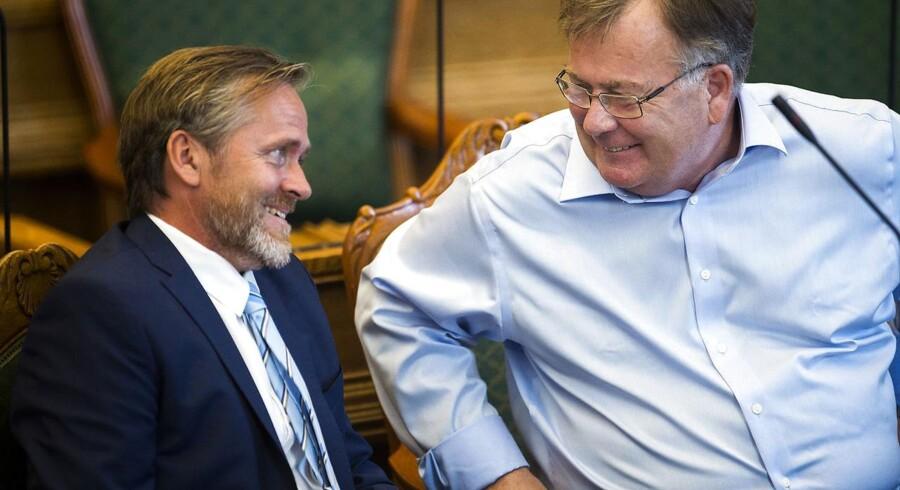 Finanslovsdebat i folketingssalen - 1. behandling af forslag til finanslov for finansåret 2017. Anders Samuelsen (LA) og finansminister Claus Hjorth Frederiksen (V). (Foto: Ólafur Steinar Gestsson/Scanpix 2016)