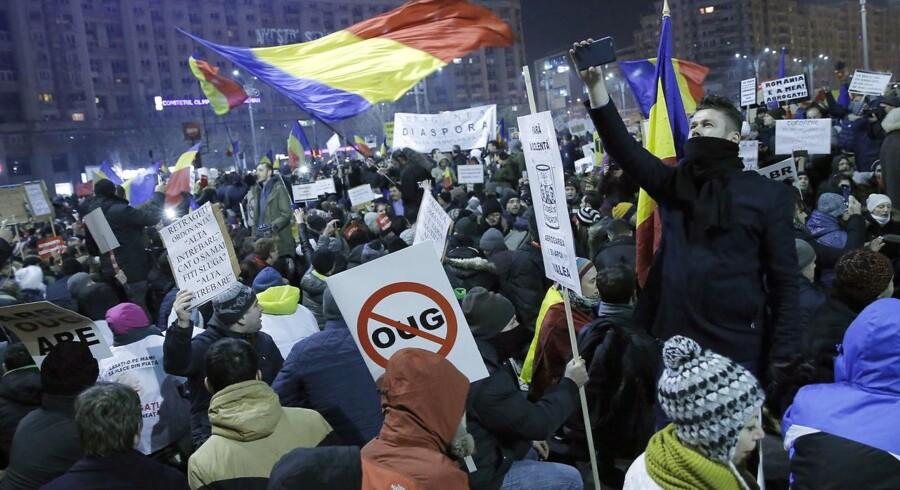 Sagen om den nye korruptionslov i Rumænien optrappes.