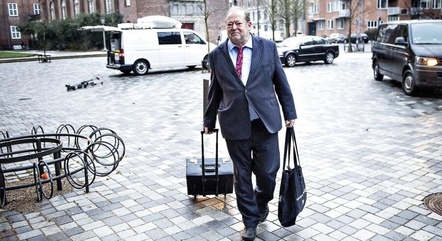 Arkivfoto: Forsvarsadvokaten Bjarne Klintbøl, nægter sig skyldig. Han har hyret advokat Peter Hjørne (billedet) til at forsvare sig.