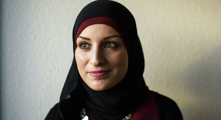 Najla Adlouni, der har skrevet bachelorprojekt på læreruddannelsen om holdningen til muslimske drenge og deres opførsel i henholdsvis en folkeskole og en muslimsk friskole, Foto: Niels Ahlmann Olesen