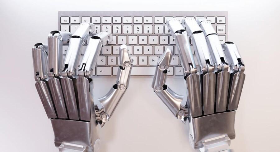 Modelfoto: En robotjournalist skal holde læserne opdateret på valgaftenen for det norske nyhedsbureau NTB.