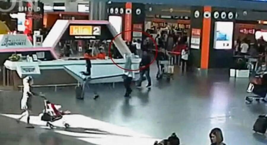 Overvågningsbilleder fra lufthavnen
