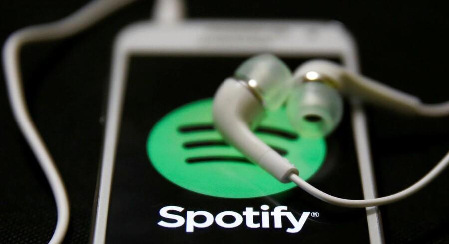 Ti millioner flere har på et halvt år valgt at betale for at lytte til musik på den svenske musikgigant Spotify. Arkivfoto: Dado Ruvic, Reuters/Scanpix