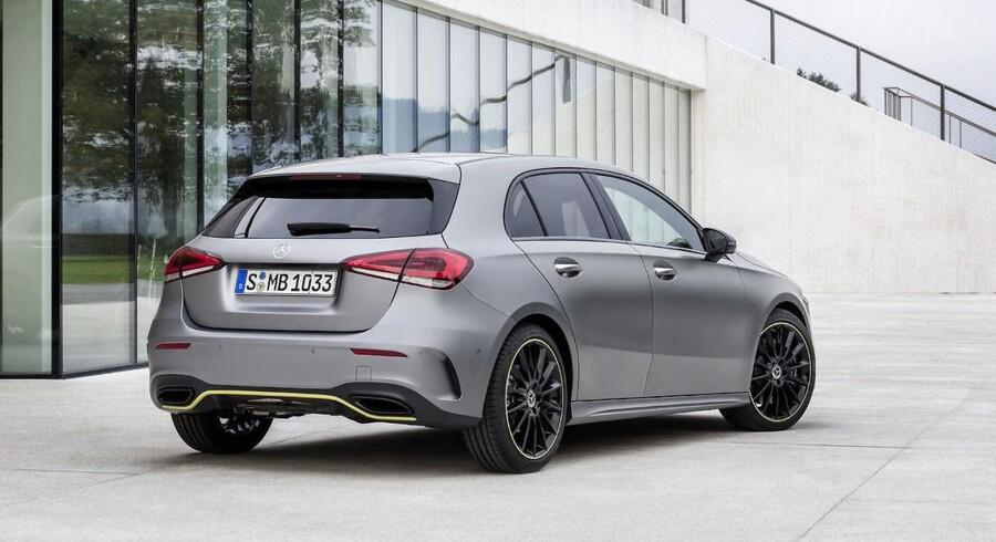 Den mindste Mercedes-Benz kommer i sin nye udgave til at koste fra 329.900 kr., men billigere varianter kommer til på et senere tidspunkt