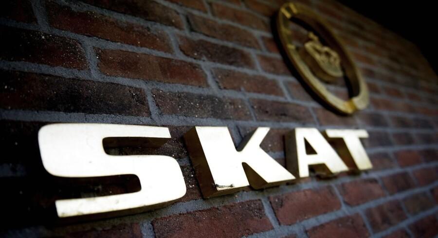 Af de 7700 kontroller, som Skat har foretaget over fire år, har de således foretaget reguleringer for 445 millioner kroner hos udenlandske selskaber og medarbejdere.