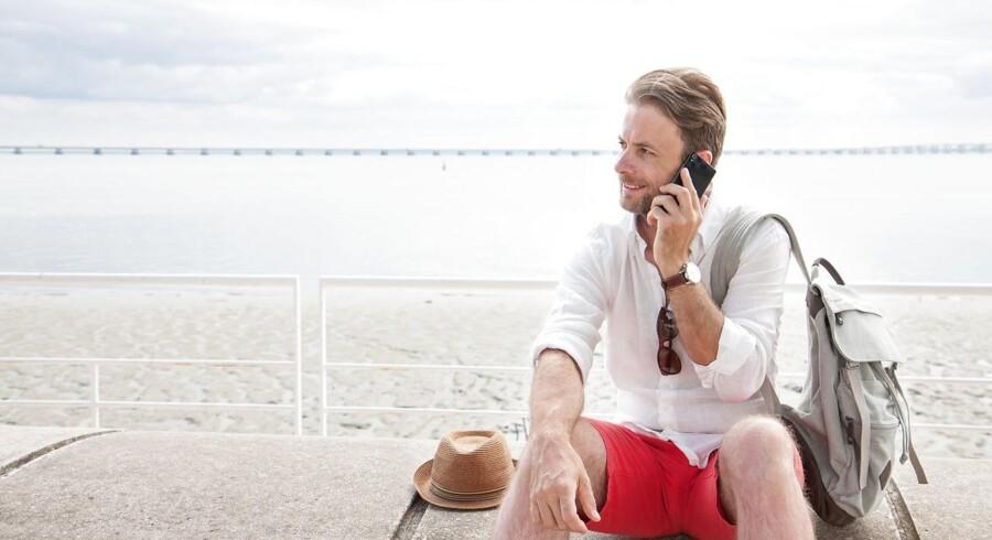 Fra 15. juni må teleselskaberne ikke tage mere for, at man bruger af sit tale- og dataabonnement på ferie i de øvrige 27 EU-lande. Til gengæld er der en øvre grænse på forbruget på abonnementerne, og man kan altid tilkøbe mere tale og data, hvis der er brug for det. Arkivfoto: Shutterstock/Scanpix