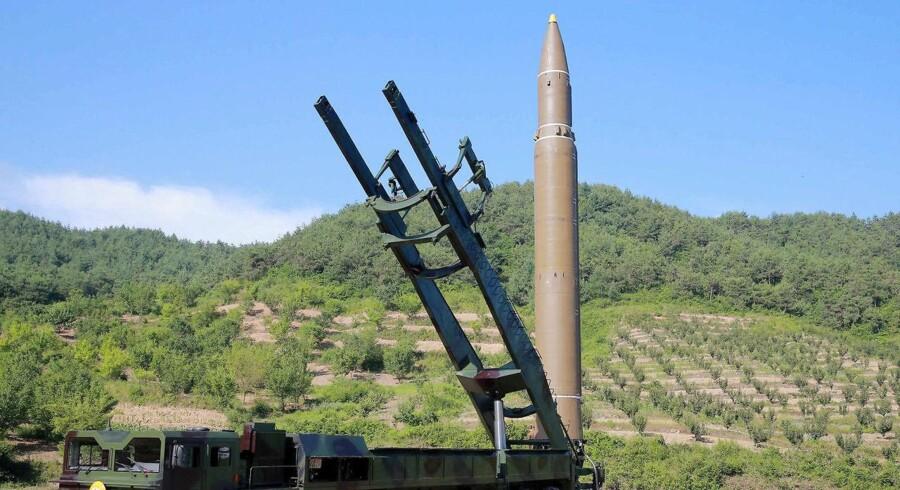 Akrivfoto af ballistisk missil.