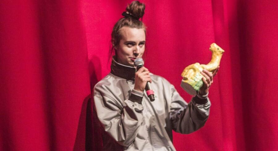 Prisen for Årets Album gik til MØ for »No Mythologies To Follow«, da Foreningen af Danske Musikkritikere delte priser ud ved Årets Steppeulv-fest i januar.