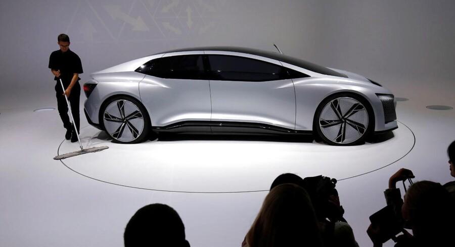 Audi har indgået et samarbejde med Det Kongelige Teater, der blandt andet betyder, at flere af deres biler er med i en kommende opsætning af Odysseen. LIge præcis denne bil skal man dog tage til Frankfurt Motor Show for at se