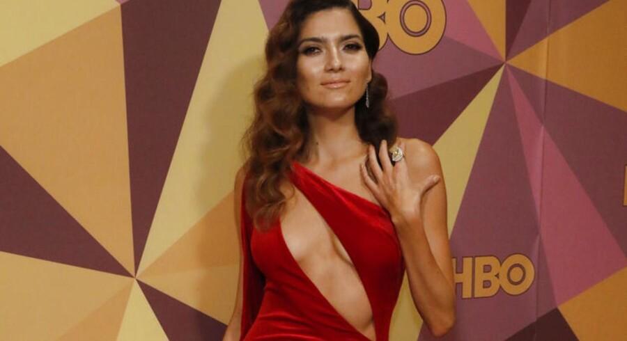 Blanca Blanco brød den sorte stil ved Golden Globe-prisuddelingerne – angiveligt fordi hun bare elsker rødt.
