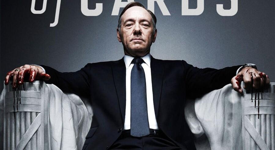 Kevin Spacey spiller magtsyg, amerikansk toppolitiker i Netflix-serien House of Cards.