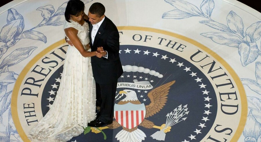 US President Barack Obama and First Lady Michelle Obama dance during the Commander-in-Chief Ball at the National Building Museum in Washington, DC, January 20, 2009. Obama was sworn in as the 44th US president earlier in the day. AFP PHOTO / Saul LOEB / AFP PHOTO / SAUL LOEB